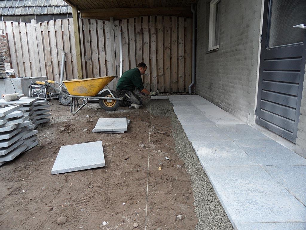 Natuursteen Tegels Tuin : Een terras dat past bij uw tuin waarmee rekening houden