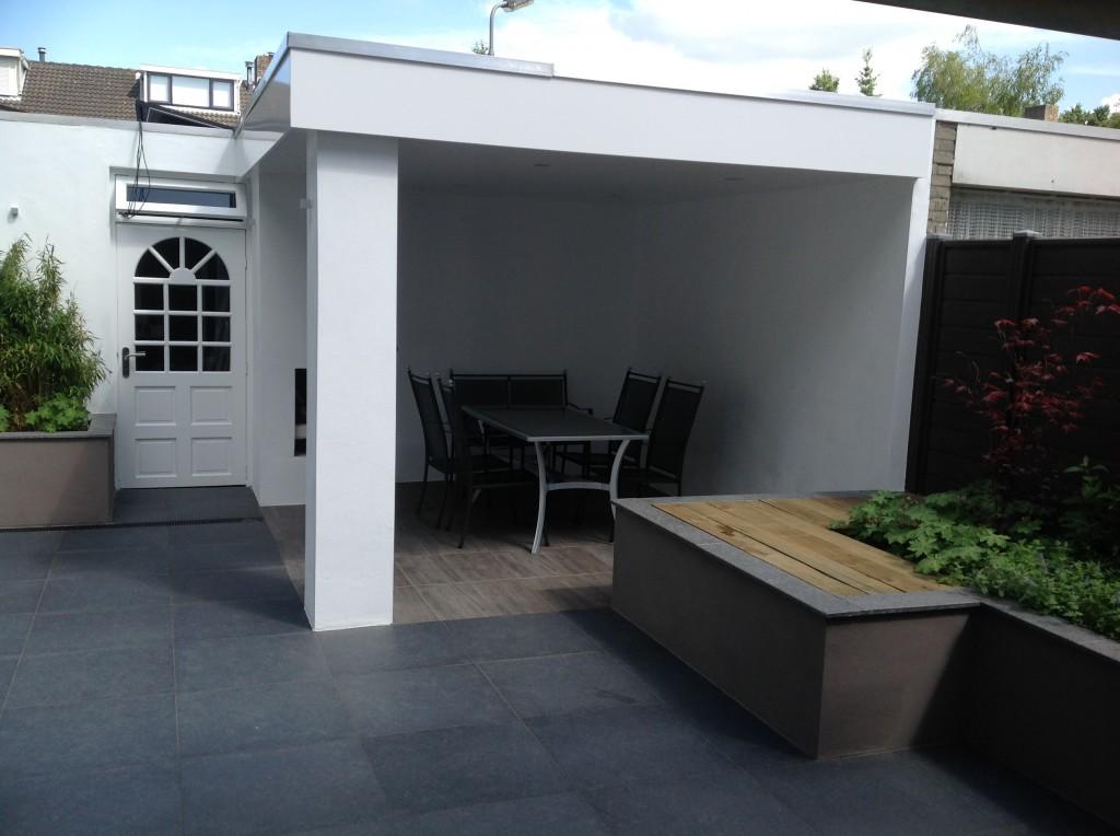 Overkapping Kleine Tuin : Keramische tegels tuin aanleggen